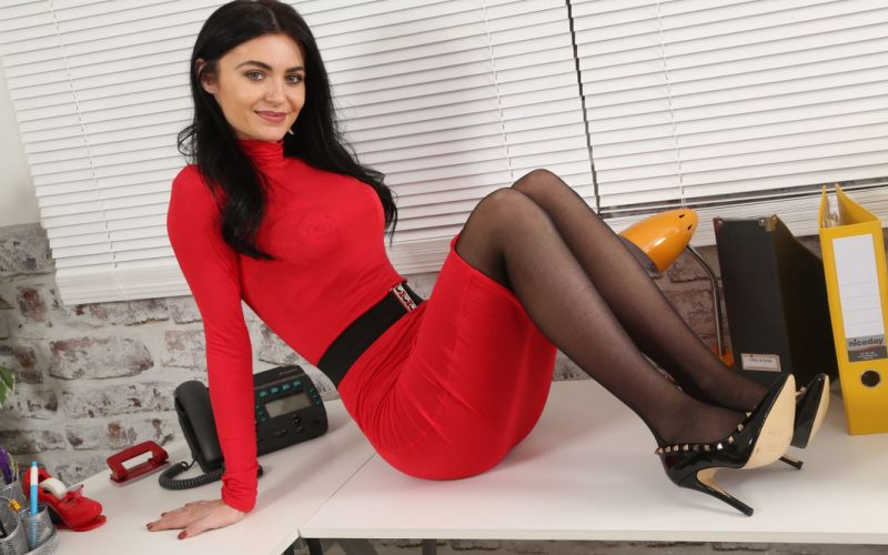 Only Secretaries Tianna In Heels And Black Pantyhose