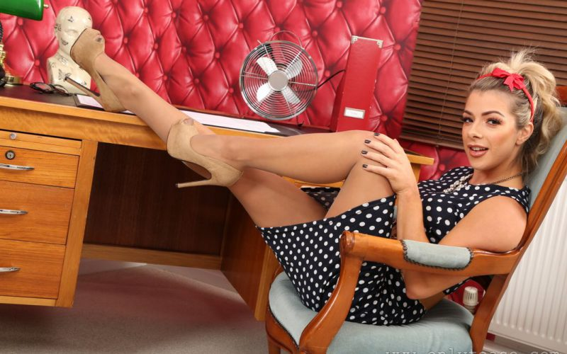 Only Tease Office Babe Tillie In Pantyhose